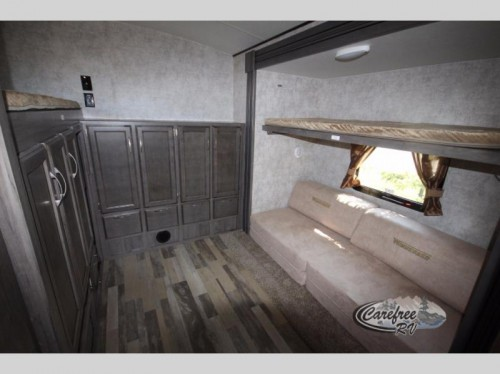 Winnebago Towables Instinct Travel Trailer bunkhouse